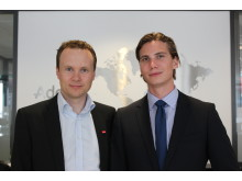 Konsernsjef Anders Øwre-Johnsen sammen med Børge Røsnes Nyborg