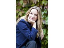 """Emmy Abrahamson, författare till """"Only väg is upp"""""""