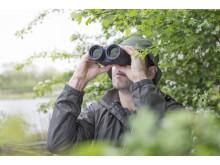 10x30 IS II  Lifestyle Birdwatching 02