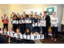 Klima og miljøminister Sundtoft møter elever ved Kampen skole
