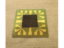 Grafenbaserad film på en elektronikkomponent
