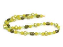 Moderna 11 oktober, Nr: 22, OLE LYNGGAARD, collier, gröna stenar och pärlor