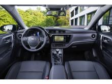 Nya Toyota Auris uppdaterade interiör