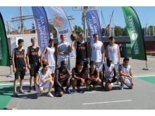 Ministrar spelar basket med Skuru Rookies i Almedalen