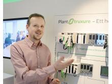 Mikael Norberg, produktchef Schneider Electric Sverige, och Modicon M580 ePAC