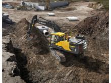 Volvo EC220E grävmaskin - i arbete