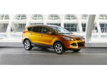 Ford presenterar sin mest kraftfulla dieseldrivna Kuga någonsin, som dessutom fått lägre CO2-utsläpp, nya färger och mer avancerad teknik