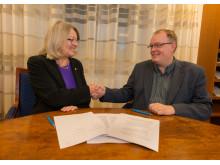 Lisa Sennernby Forsse, rektor för SLU, och Björn Risinger, generaldirektör för Havs- och vattenmyndigheten. Foto: Mark Harris.