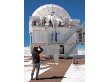 Instrumentet Sepia lyfts in i teleskopets instrumentkabin