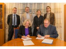 En ny sexårig ramöverenskommelse om samverkan mellan SLU och Havs- och vattenmyndigheten skrivs under. Foto:Mark Harris