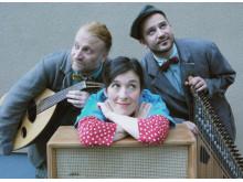 Oum - en poetisk musiksaga. Sofia Berg Böhm, Mousa Elias, Feras Sharstan.