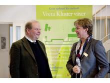 Landsbygdsministern tillsammans med Helene Oscarsson på Vreta Kluster