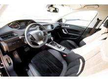 """Peugeot 308 er kåret som """"Årets Bedste Lille Mellemklassebil"""""""