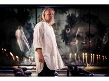 Kjell Wilhelmsen som Georges Danton under repetitionerna av Affären Danton