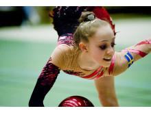 Mikaela Lindholm tävlar för Sverige i VM i Rytmisk Gymnastik