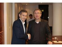Cato Hauge i Union Eiendomskapital AS og Regiondirektør Svend-Harald Maalen i NCC undertegnet i går avtalen.