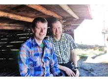 Jocke Sundberg & Stefan Gustafsson i vindskydd vår