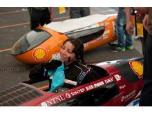 Sjafør Ingelin Neteland var svett etter første forsøk på kjørebanen