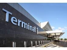 Terminal 1 departure kerbside