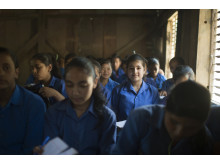 Lektion i tillfällig skola i Nepal