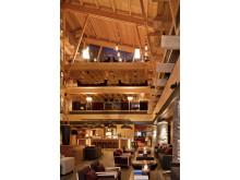 Fireside Lounge & Bar, hotellets lobbybar i hjärtat av hotellet