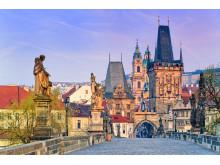 Bravo Tours - Prag, Karlsbroen udsigt mod borgen