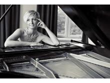 Jessica Falk singer-songwriter