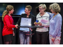 Falkenbergs Montessoriskola tar emot priset Årets Vattenskola 2014