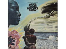 Plateomslag. Vinylens comeback.Bitches Brew, 1970 av Miles Davis. Design;John Berg. Maleri: Abdul Mati Klarwein.