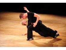 Kine Kvarme och Ole Aleksander Hansen i dansföreställningen Stjerne.*
