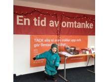 Foto Ragnar Mattsson. Insamlingen pågår till lördagen 19 december på Sundstorget.