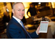 Jan Tore Sanner viser frem Postens digitale postkasse, Digipost