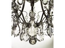 Detalj Badrumskristallkrona förnicklad med handslipad kristall löv och blommor