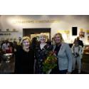 Museichef Elsebeth Welander-Berggren, Vinnaren Elsa Brodin, Yvonne Sörensen (ledamot i Sven-Harrys konstmuseums styrelse)