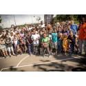 Uddeling af gadeidrætspenge: skateboards og streetbasket i asylcentre