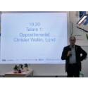 Christer Wallin håller tal på Annehem fiber samfällighetsförenings invigning.
