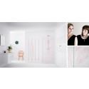 Brusevæggen Broderie tilføjer tekstile egenskaber til badeværelset
