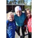 Marit Bjørgen med Mari (10) og Magnus (10) under TINEs aktivitetsdag på Bygdøy