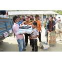 Hjälp når raserade byar i Nepal
