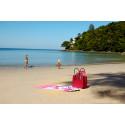 Kamala Beach ligger ca. otte kilometer nord for Patong på Phuket. Stranden er yderst populær blandt børnefamilierne, idet hotellerne ligger direkte ud til vandet.