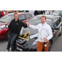 Erfarna vinnare vid målgång av Oresund Electric Car Rally i Malmö
