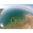 261 personer danner menneskeskabt fredstegn i Det Døde Hav, Jordan