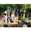 Spelglada ungdomar på Musik i Väst-läger
