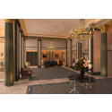 Lobbyn skiner upp när marmorgolvet gör entré på Grand Hôtel