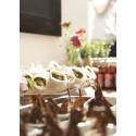 Harrys kallrökta lax i tunnbröd med späda salladsskott och selleriremoulad