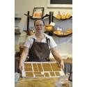 Under de senaste veckorna har bagaren Johanna Thorn från Smakfyllt Bröd & Butik arbetat intensivt med att bygga en pepparkaksstad av Kvillebäcken.
