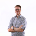 Edvard Larsheden har anställts som marknadsassistent på SMC Pneumatics