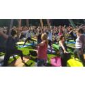 Rekordstort intresse för utomhusyoga i Botaniska trädgården på fredag - 1000 personer anmälda