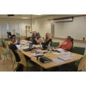 Sommarjobbare med funktionsnedsättningar testar tillgängligheten i lokaler