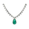 Klassiska 29/8, Nr: 11, COLLIER, 18K vitguld, smaragd ca 3 ct, 240 briljantslipade diamanter
